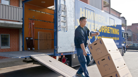 how to become a relocation specialist